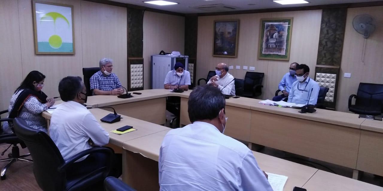 परिवहन मंत्री कैलाश गहलोत ने मेट्रो सेवाओं को फिर से शुरू करने की तैयारियों की समीक्षा की