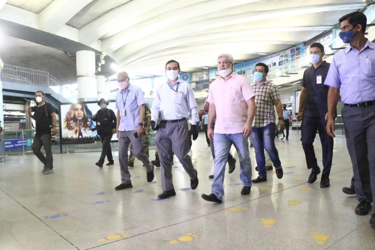 परिवहन मंत्री कैलाश गहलोत ने किया राजीव चौक मेट्रो स्टेशन का दौरा, लिया तैयारियों का जायज़ा