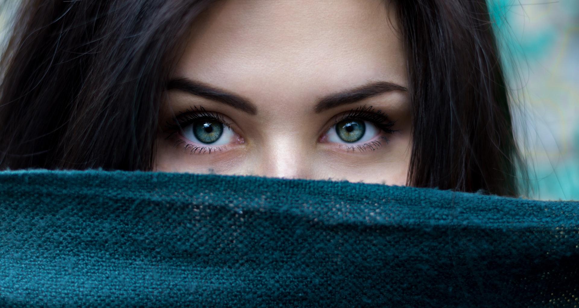 """काश कोई तो पूछ ले """"क़ादिर""""(Kadir) आँखों से दरया बहता क्यों है"""