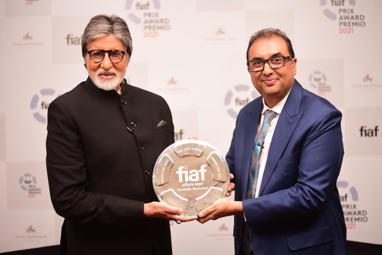 अमिताभ बच्चन (Amitabh Bachchan) एफआईएएफ अवार्ड पाने वाले पहले भारतीय बनें, पढ़ें पूरी खबर