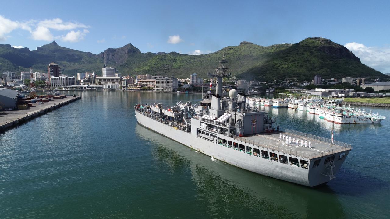 भारतीय नौसेना (Indian Navy) का जहाज शार्दुल पोर्ट लुई पहुँचा, मॉरीशस के राष्ट्रीय दिवस समारोह में होगा शामिल