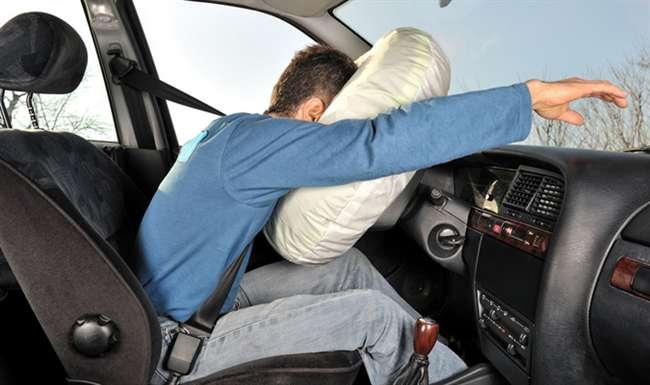 सुरक्षा के लिए सरकार का बड़ा फैसला, अब सभी पैसेंजर कारों में फ्रंट एयरबैग (Front Airbag) जरूरी