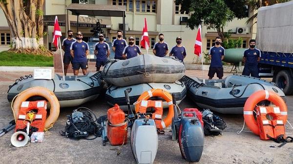 Indian Navy: चक्रवात 'यास' : बचाव और राहत कार्यों के लिए भारतीय नौसेना के पोत और विमान स्टैंडबाय पर