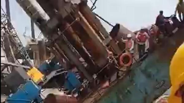 Rescue: ताउ-ते की तबाही, चार जहाज में डुबे लोग 620 को बचाया, 90 लोग लापता,देखें रेस्क्यू का वीडियो