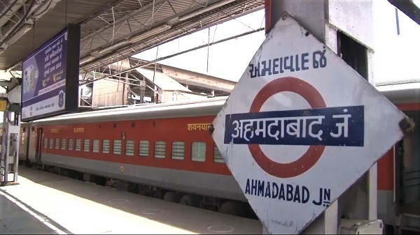 New train for Kanpur: अहमदाबाद-कानपुर सेंट्रल के बीच चलेगी फेस्टिवल स्पेशल ट्रेन, जानें कब से होगी बुकिंग