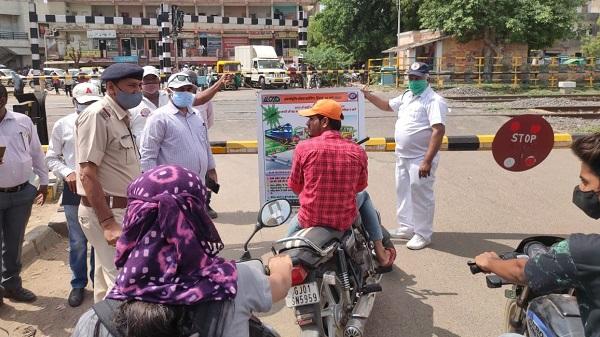 Crossing closed: 2 મહિના માટે આદિપુર- અંજાર સ્ટેશનો વચ્ચે સ્થિત રેલ્વે ક્રોસિંગ બંધ રહેશે