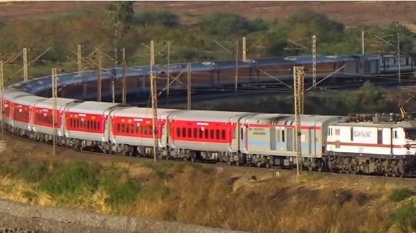 Diversion of trains: पूर्वोत्तर रेलवे के औंरिहार एवं डोभी स्टेशनों के बीच नॉन इंटरलॉकिंग कार्य के कारण पश्चिम रेलवे की कुछ ट्रेनों का डायवर्जन