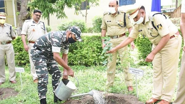 सीआरपीएफ ADG – CRPF Training (अपर पुलिस महानिदेशक) एस एस चूतुर्वेदी का दो दिवसीय दौरा सम्पन्न ।