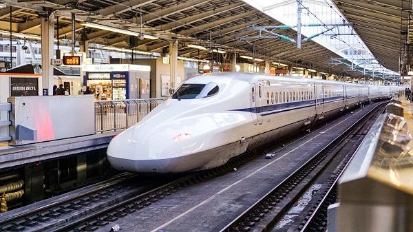 Mumbai-Ahmedabad Bullet Train Project: मुंबई-अहमदाबाद बुलेट ट्रेन प्रोजेक्ट में हुई देरी, जानें केंद्र ने किसके सिर फोड़ा ठीकरा