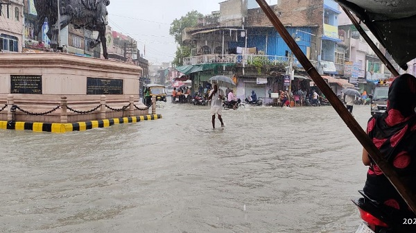 Baran Rain: राजस्थान के बारां में बारिश की वजह से जगह-जगह जलभराव, लोग परेशान