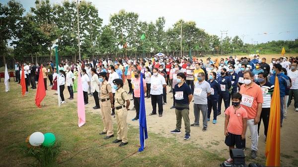 Aazadi ka Amrit Mahotsav: 'आज़ादी का अमृत महोत्सव' के अंतर्गत हिंदी विश्वविद्यालय में 'फिट इंडिया फ्रीडम रन 2.0' का भव्य आयोजन