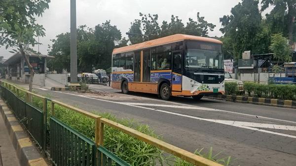 BRTS Income: अहमदाबाद में एएमटीएस-बीआरटीएस की आवक में भारी कमी, जानिए क्या है वजह