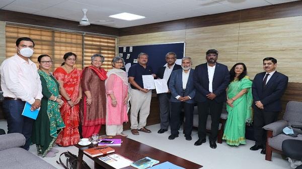 Delhi Skill and Entrepreneurship University: दिल्ली स्किल एंड एंटरप्रेन्योरशिप यूनिवर्सिटी ने लॉजिस्टिक क्षेत्र में युवाओं को प्रशिक्षित करने के लिए लॉजिस्टिक्स सेक्टर स्किल काउंसिल के साथ की साझेदारी