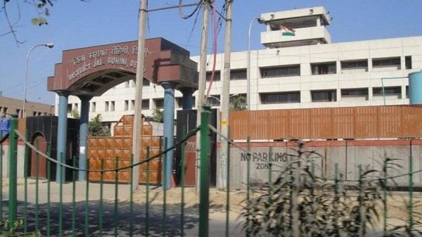 Rohini court shootout case: रोहिणी कोर्ट शूटआउट मामले में दो लोग गिरफ्तार, सीसीटीवी फुटेज के आधार पर हुई गिरफ्तारी