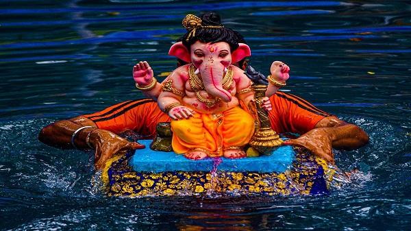Ganesh Visarjan: गणेश विसर्जन से पहले जान लें गणपति पूजा की विधि, पढ़ें पूरी खबर