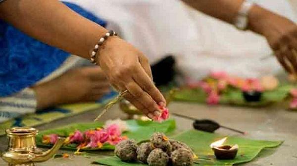 Pitru shradh: कैसे मिलता है पितरों को भोजन, साथ में जानिए श्राद्ध करने से मिलते हैं कौन से लाभ