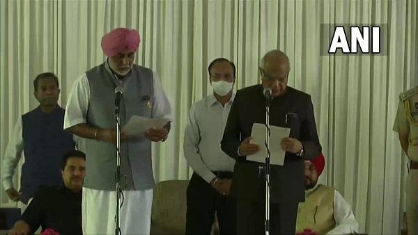 Punjab cabinet expansion: पंजाब में चन्नी सरकार का हुआ कैबिनेट विस्तार, 7 नए चेहरों को मिला मौका