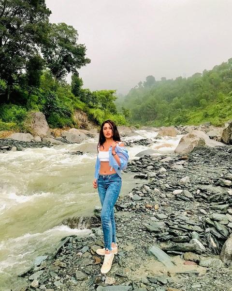 Surbhi chandana 2
