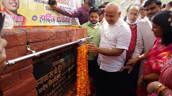 Shaheed Kesari Chand: शहीद केसरी चंद जी और मशहूर लोक गायक हीरा सिंह राणा जी के सम्मान में पटपड़गंज विधानसभा में दो सड़कों का किया गया नामकरण