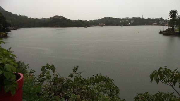 Nakki lake: माउंट आबू की गीत नक्की झील हुई लबालब
