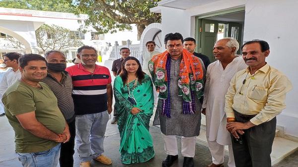 CM Biplab Deb: त्रिपुरा के मुख्यमंत्री विप्लन देब का किया गया स्वागत