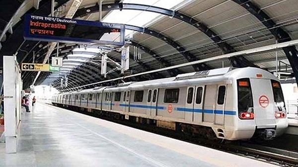 Delhi metro: दिल्ली मेट्रो की इस लाइन पर अब यात्रियों को फ्री में ही मिलेगी हाई स्पीड वाईफाई