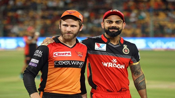 RCB VS SRH: आरसीबी ने टॉस जीतकर गेंदबाजी चुनी, यहां देखें प्लेइंग इलेवन