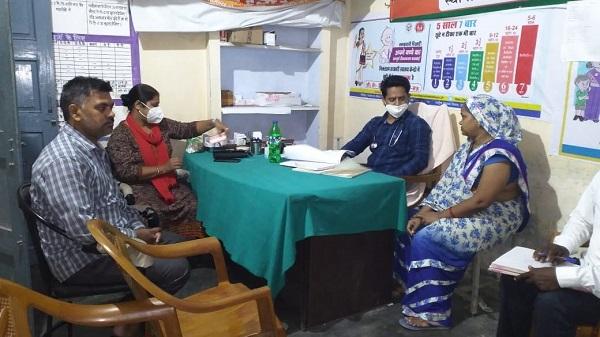 Health fair: छुट्टी के दिन घर के पास मुफ्त इलाज पाकर मिली खुशी: स्थानीय निवासी राधा