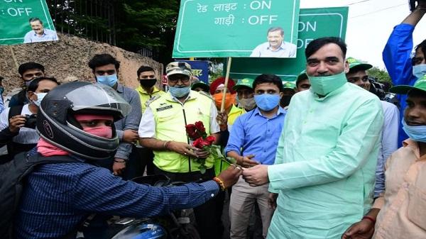 Red Light On Gaadi Off Campaign: दिल्ली में केजरीवाल सरकार ने शुरू किया 'रेड लाइट ऑन गाड़ी ऑफ अभियान', वाहन प्रदूषण में आएगी कमी